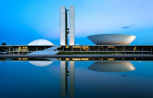 Niemeyers Brasilia at night