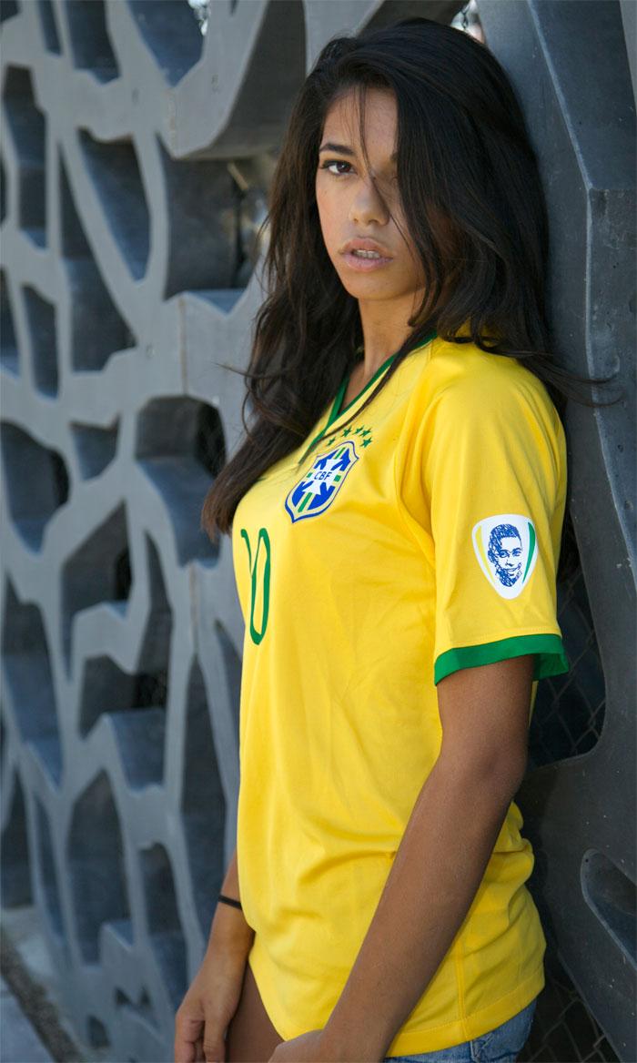 Brazil girl Pele badge full