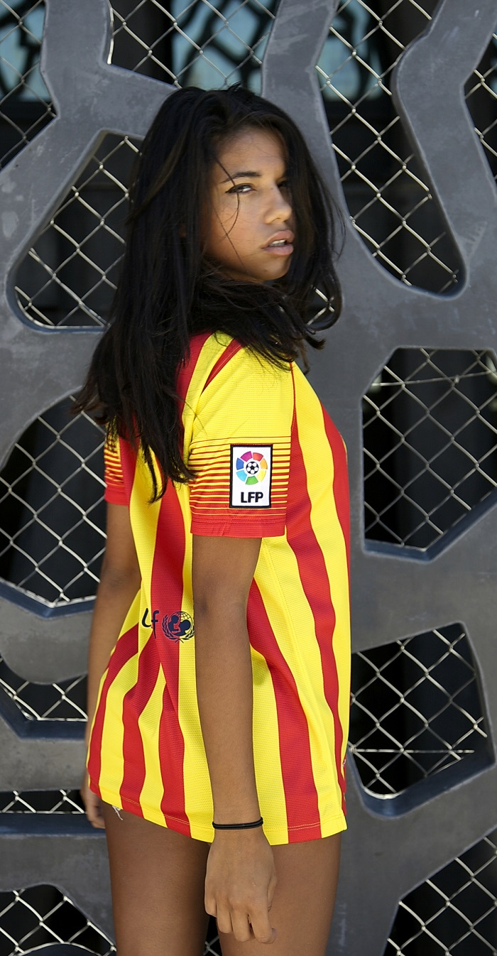 FC Barcelona girl LFP badge + UNICEF sponsor logo
