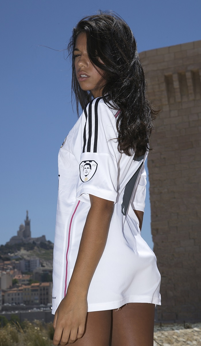 Real Madrid girl Ronaldo 7 badge