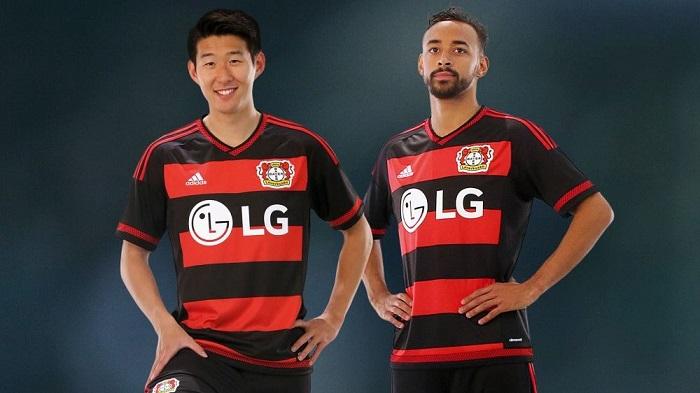 Bayer Leverkusen 15/16 home jersey