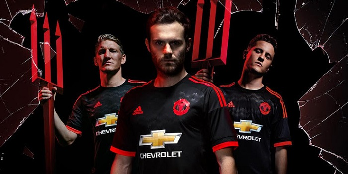 Manchester United 3rd jersey 2015/16