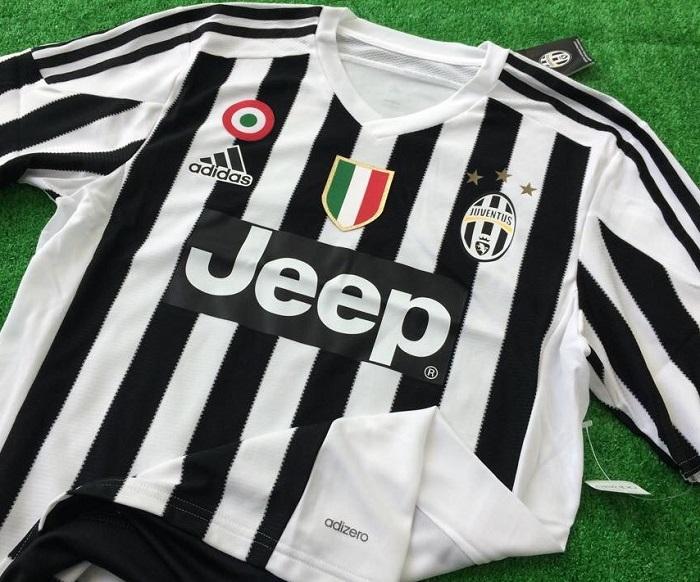 Juve home kit Scudetto Coppa Italia