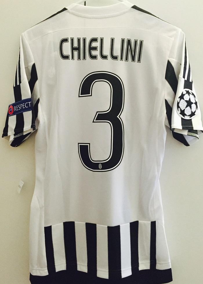 Juve home kit Chiellini 3