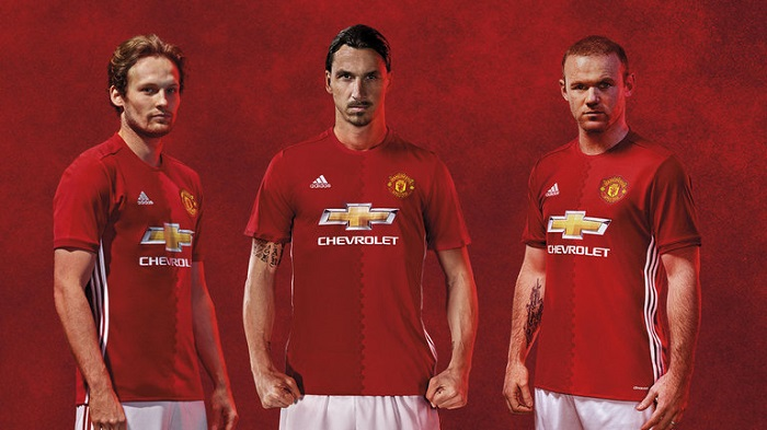 Man United soccer kit