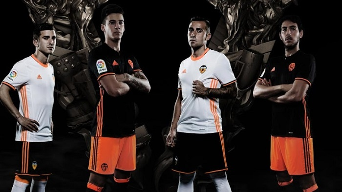 Valencia home and away kit 16/17