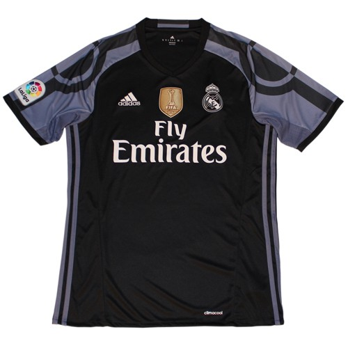 Real Madrid 3rd jersey WCC 2016 badge