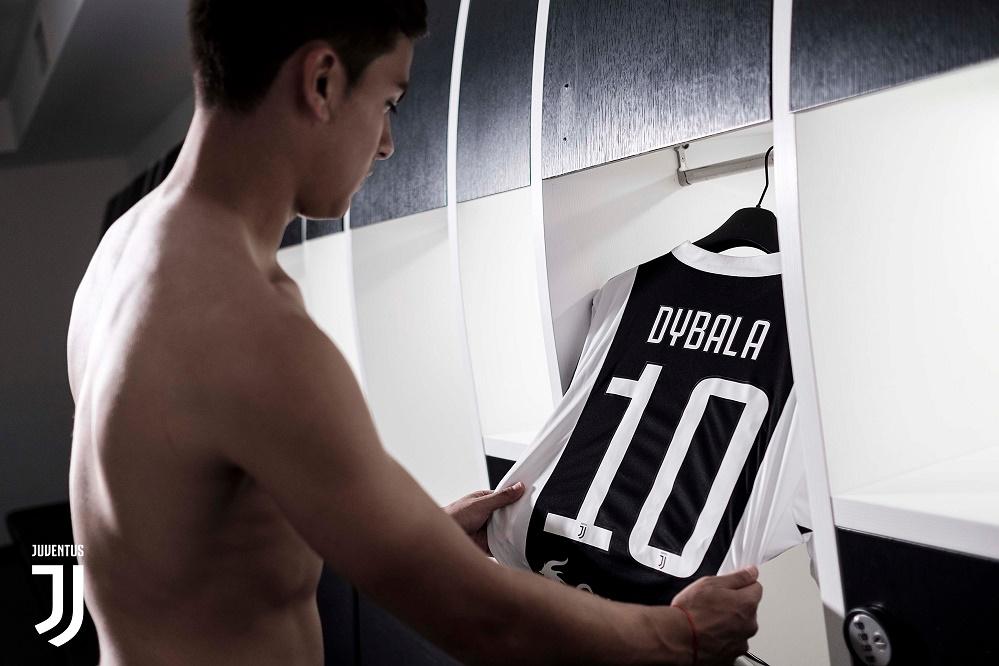 Dybala 10 Juve home jersey 17/18