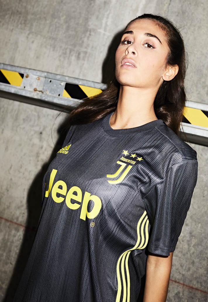Beautiful Juventus third kit 18/19